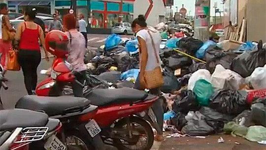 Sindicato mantém greve, mas inicia coleta parcial de lixo em Americana